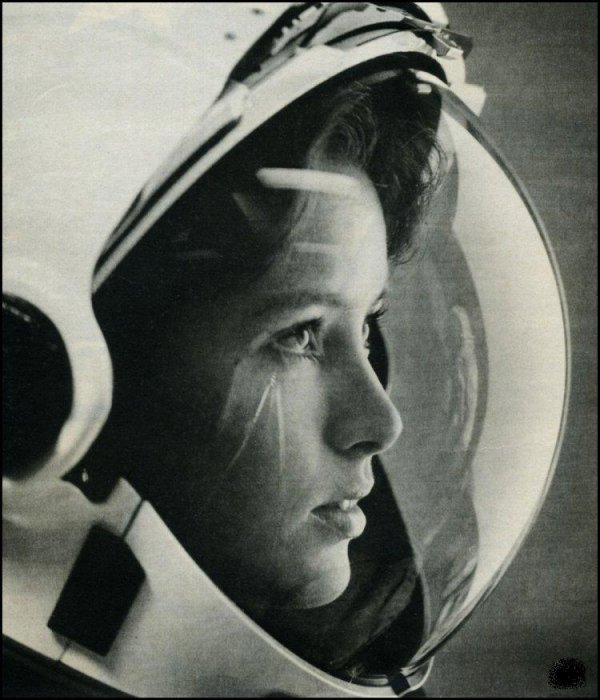 astronaut girl!